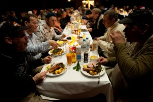 Erstmal Essen: Es gibt Grünkohl und Kassler...