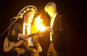 Die Show beginnt mit dem Zauberer-Duo Birger und Jan.