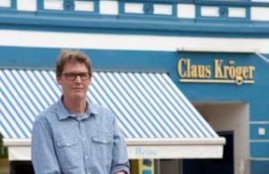 Florian Kröger betreibt in vierter Generation und im eigenen Haus ein Feinkostgeschäft.