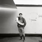 Besondere Spiele verlangen ein besonderes Outfit: St.-Pauli-Fan Alexander empfängt im Herbst 2010 mit seinem Verein den HSV zum Stadtderby. Am Ende steht es 1:1. Das RÜCKSPIEL beim HSV gewinnt St. Pauli. Foto: Olaf Tamm