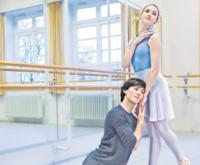 """on wegen altmodisch und verstaubt: Für Alexandr und Florencia ist Ballett Leidenschaft pur. Mit klassischen Stoffen wie """"Onegin"""" können sich die beiden Solisten des HAMBURG BALLETT gut identifizieren: """"Die Probleme bleiben immer dieselben."""""""