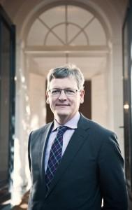 EU-Kommissar László Andor (47) war im Oktober auf Stippvisite bei Bürgermeister Olaf Scholz und Sozialsenator Detlef Scheele (beide SPD). Der Wirtschaftsprofessor ist Mitglied der Ungarischen Sozialistischen Partei (MSZP).  In Ungarn ist derzeit eine rechtskonservative Regierung an der Macht, die massiv die Grund- und Freiheitsrechte beschränkt. Schwere Zeiten für alle Minderheiten – und die Demokratie.