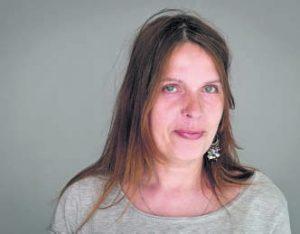 Katja weiß, wie es ist, auf Hilfe angewiesen zu sein. Langfristig möchte die 50-Jährige ihr Leben wieder selbst bestimmen.