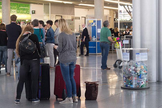 Pfandsammelbehälter am Stuttgarter Flughafen.