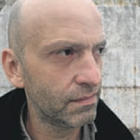 Dirk Auer ist Auslandkorrespondent in Belgrad.