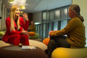 Regina Halmich im Interview mit Hinz&Kunzt-Autorin Mischa Leuschen.