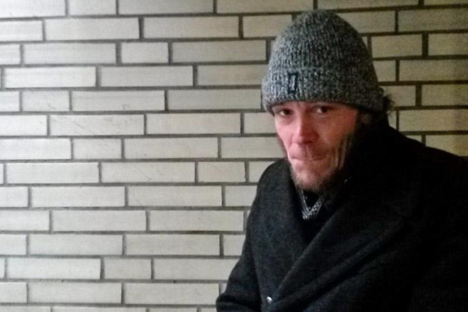André ist seit sechs Wochen im Winternotprogramm. Gerne würde er sich hier auch tagsüber einmal richtig ausruhen dürfen.