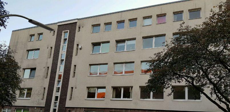 In diesem Haus im Dohlenweg lässt die Meravis GmbH drei Wohnungen leer stehen. Foto: Jonas Füllner