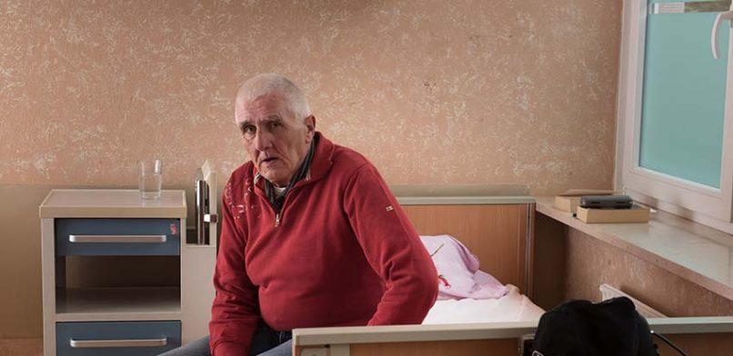 Dieter ist froh. Hier in der Krankenstube für Obdachlose kann er sich erholen. Erst mal. Foto: Mauricio Bustamante.