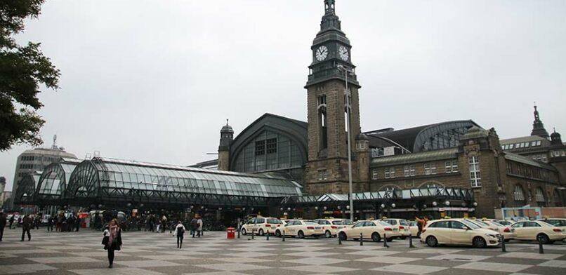 Ein Treffpunkt für alle? Der Hamburger Hauptbahnhof. Foto: Benjamin Laufer.