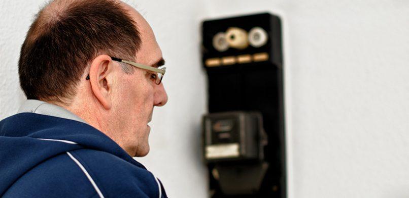 Immer mehr Menschen können ihre Stromkosten nicht mehr zahlen. Foto: Petra Bork / pixelio.de