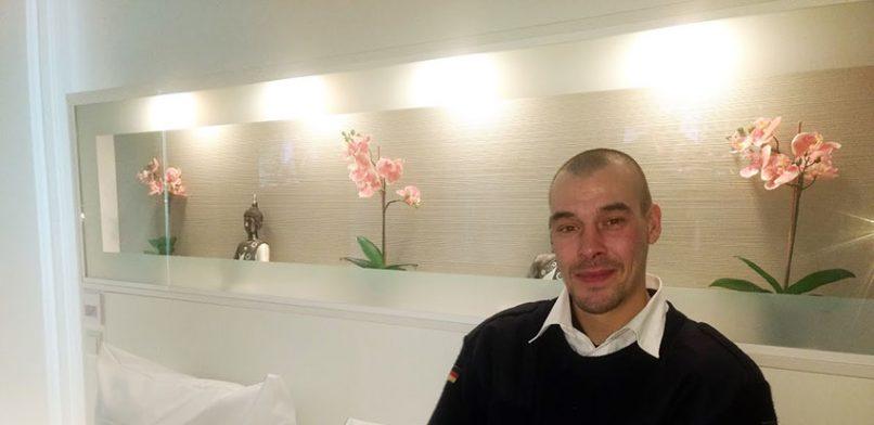 Warmes Hotelzimmer für Obdachlose